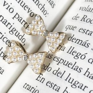 WHITE PEARL BOW PAVE STUD EARRINGS